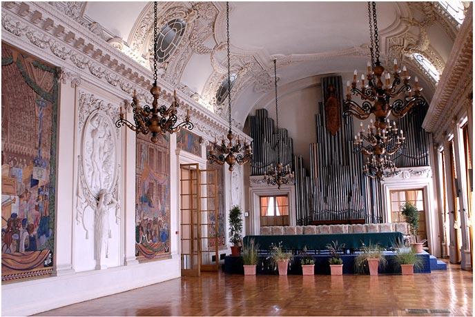 Architecture r moise fran oise et christian claudel for Piscine reims